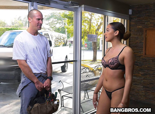 mariah banks fucks the ac repair man