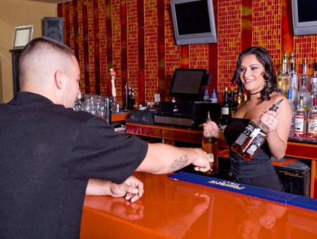 bangbros Bartender That Squirts